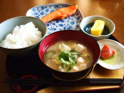 和食 鮭と卵焼き