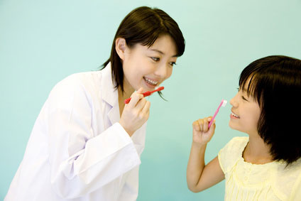 女性 歯磨き 教える